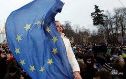 Порошенко рассчитывает на введение безвизового режима с ЕС до июля