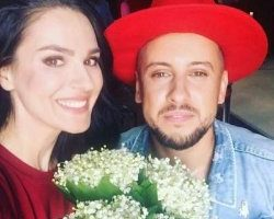 Маша Ефросинина порадовала поклонников ярким селфи