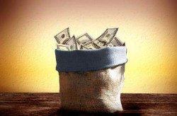 Большинство украинцев старается откладывать деньги