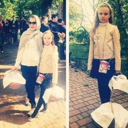 Фреймут с дочерью освятили пасхальную корзину