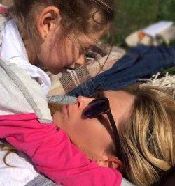 Вера Брежнева поделилась нежной фотографией с младшей дочкой
