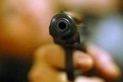 В окно киевлянина выстрелили из пистолета