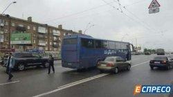 ДТП в Киеве: парень попал под колеса автобуса, убегая от патрульных