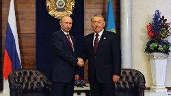 Путин и Назарбаев возложили цветы к Могиле Неизвестного Солдата