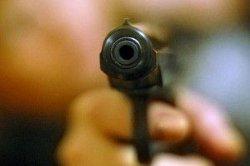 В Запорожье пьяная компания обстреляла авто свидетеля за помощь полицейским