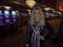 Таисия Повалий повеселилась в казино скандального политика