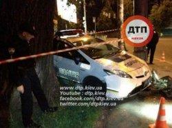 Киев: беглец на «Фольксвагене» протаранил полицейский автомобиль