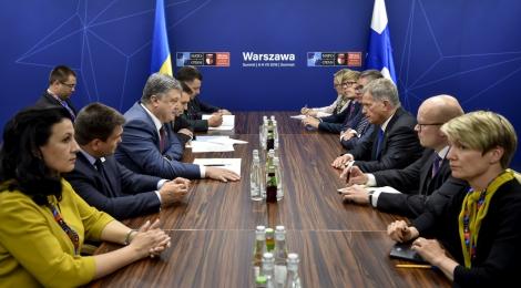 Президент Финляндии рассказал Порошенко о переговорах с Путиным