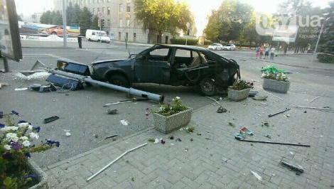 ДТП в Харькове с участием патрульных: погибли 18-летние парень и девушка