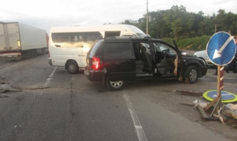 В Киевской области рейсовый автобус врезался в KIA, пятеро травмированы