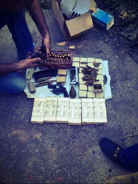 В Днипре СБУ изъяла гранаты и 2,3 тыс. патронов у торговца оружием