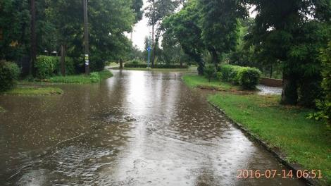 Из-за сильного ливня в Ужгороде затоплены улицы