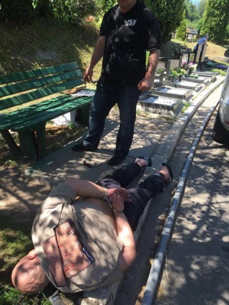 СБУ поймала на взятке начальника киевского крематория