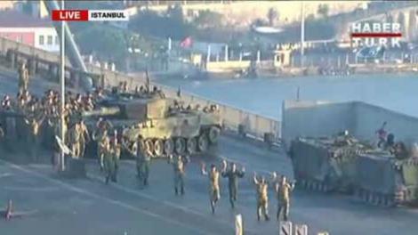 Попытка переворота в Турции: погибли более 40 человек, задержаны 750 военных
