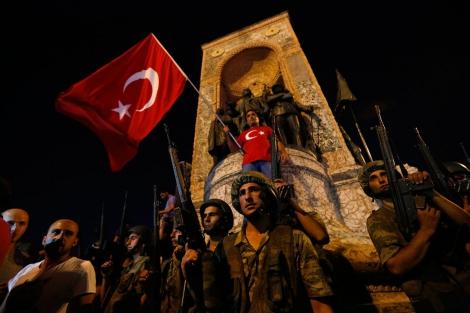 При попытке переворота в Турции погибли 90 человек, более 150  -  ранены