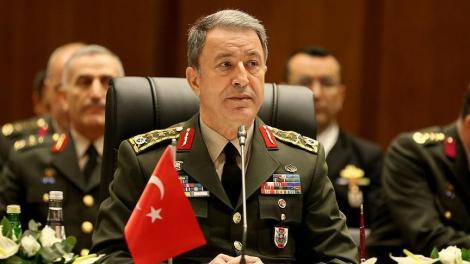 В Сети появилось видео освобождения главы Генштаба Турции Акара из плена мятежников