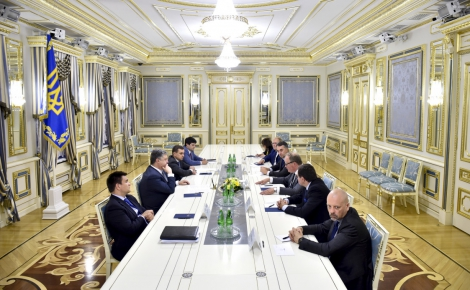 Порошенко встретился с делегацией третьей по величине партии ЕС