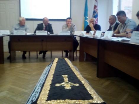 В Черкассах предприниматели в зал заседаний горсовета внесли гроб