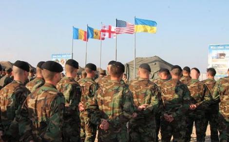 Военные подняли флаги на учениях Sea Breeze-2016, опубликованы фото