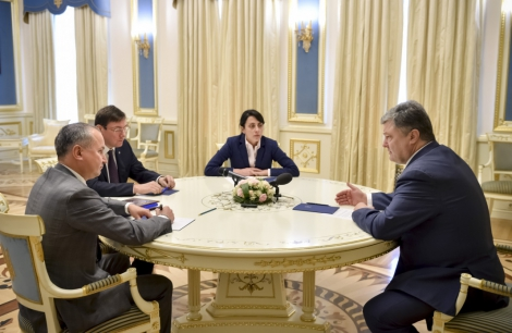 Порошенко поручил Климкину привлечь экспертов ЕС к расследованию убийства Шеремета