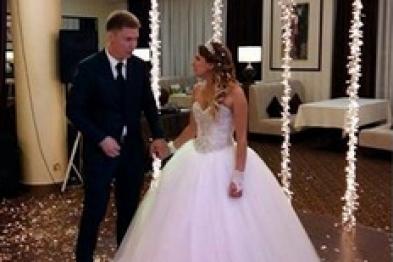 «Омбудсмен ДНР» Морозова сыграла свадьбу с гражданином РФ в Донецке