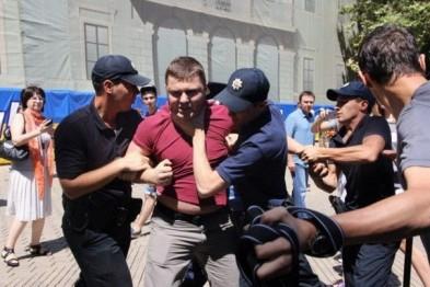 Одесские «Азовцы» взяли на себя ответственность за «яичную атаку» на Савченко