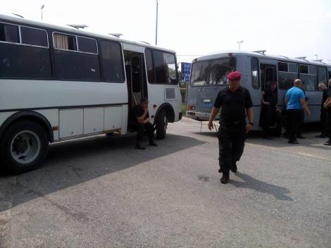 Силовики заблокировали крестный ход на Житомирской трассе, прибыла Деканоидзе