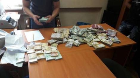 В ГФС заявили, что изъятые НАБУ деньги являются не взяткой, а уликой по другому делу