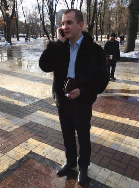 Депутат Макаровского райсовета, устроивший пьяное ДТП со стрельбой, сбежал за границу