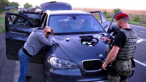 У авторитетов, задержанных на похоронах у «вора в законе», нашли оружие и наркотики