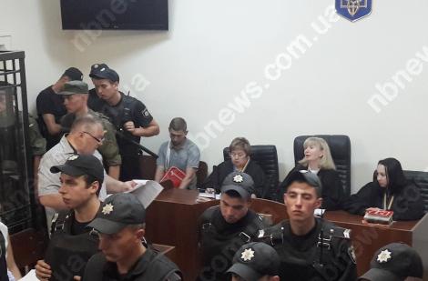 Суд в Киеве начал подготовительное заседание по делу Гуменюка и Крайняка