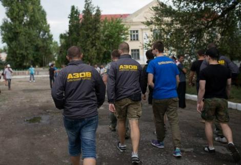 В Лощиновку прибыл «Азов» для защиты местных жителей от цыган