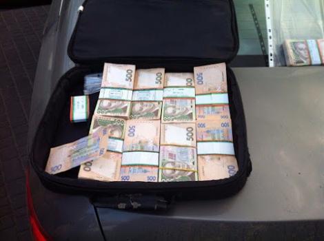 Один из руководителей института «Причерноморье» требовал взятку в 3 млн грн