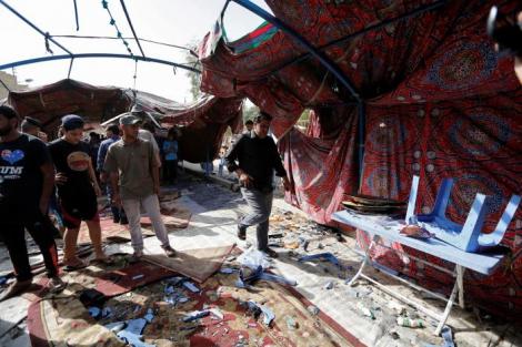 В Багдаде смертник подорвался на поминальной церемонии: погибли 55 человек