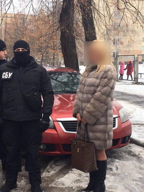 Следователь полиции Киева требовала взятку $8 тыс. за изъятие вещественных доказательств