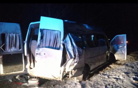 Под Днипром маршрутка столкнулась с грузовиком, 5 пассажиров погибли