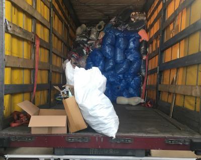 Под видом «секонд-хенда» в Украину пытались ввезти 5 тонн брендовой одежды и обуви