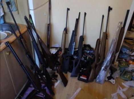 Полиция обнаружила у киевлянина огромный арсенал нелегального оружия