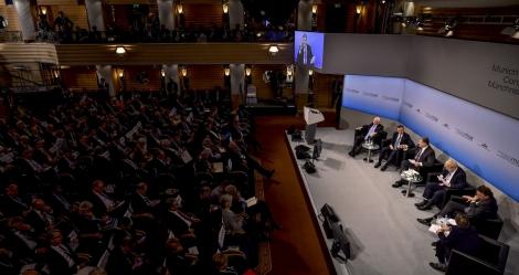 Путин глубоко и искренне ненавидит Украину  —  выступление Порошенко на Мюнхенской конференции
