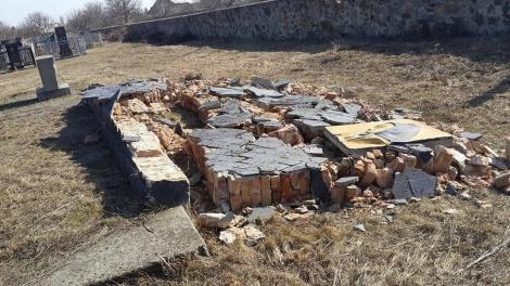 В Одесской области разрушена стена мемориала жертвам Холокоста