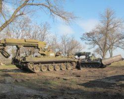 Как идет разминирование военного арсенала в Балаклее (фоторепортаж, видео)