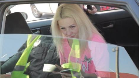 Во Франковске пьяная женщина на BMW сбила патрульного и 2 гражданских, они в реанимации (фото, видео)