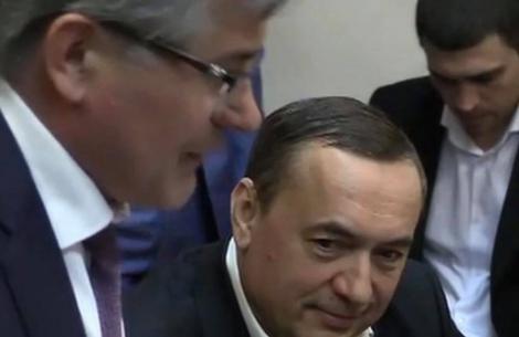 Суд отпустил Мартыненко на поруки депутатов и министров