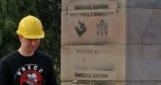 «Смерть палачам Волыни и Донбасса»  —  в Польше разрушили памятник воинам УПА (фото)