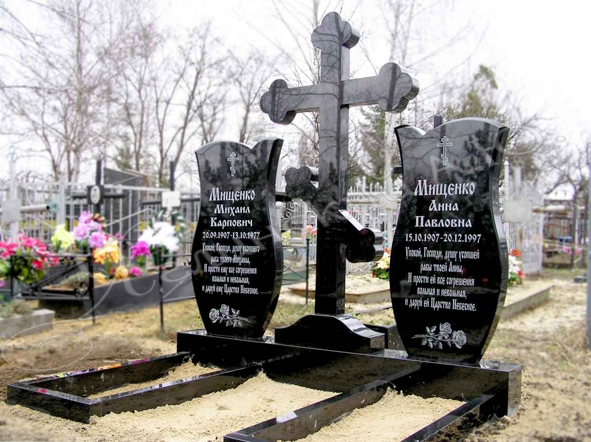 Памятники из гранита от производителя в Киеве