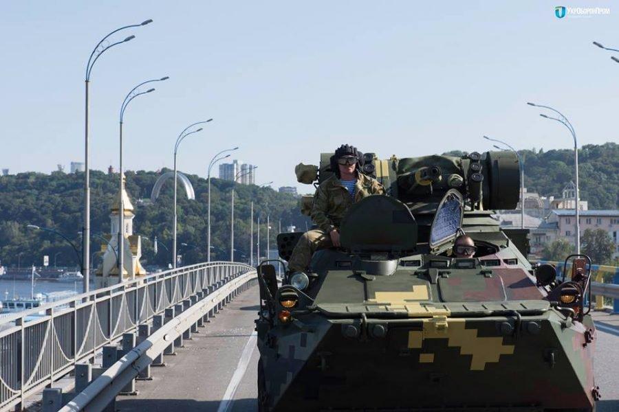 В Киев вошли танки