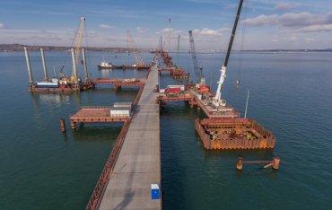 «Даже гаечку не поставят»: в Кабмине прояснили будущее Керченского моста