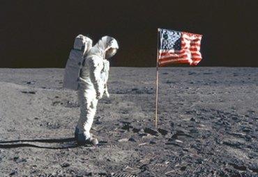 Советник Трампа заявил, что американцы никогда не были на Луне