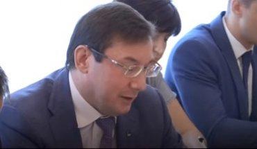 Луценко игнорирует обвинения народных депутатов в адрес Андрея Деркача