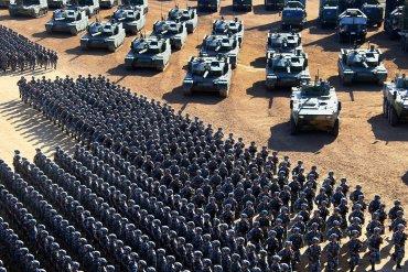 Китай провел крупнейший в истории парад военной техники